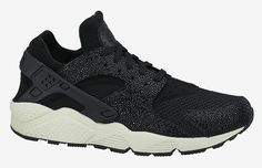 """Our Kicks of the Day is the Nike Air Huarache from the """"Stingray"""" pack."""