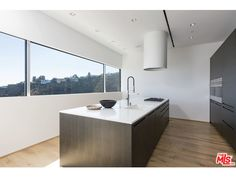 LOS ANGELES: 1853 SUNSET PLAZA DRIVE 8.8m