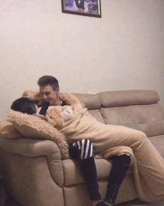 Romantic Couple Kissing, Romantic Kiss Gif, Romantic Songs Video, Romantic Couples, Cute Couples Hugging, Cute Couples Kissing, Cute Couples Goals, Cute Couple Songs, Cute Couple Videos