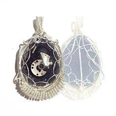 #steampunk #pendant e anche il #tutorial e' pronto non perdetevelo questo venerdì sul mio canale YouTube archidee . . #archidee #becreative #bepositive #wirewrapped #wirewrapjewelry #wirewrapping #staytuned #videotutorial #youtube #jewelryblog #steampunkart #steampunkstyle #instafashion #instajewelry #fashionjewelry #steampunkfashion #gears #black  #silverjewelry #trendy #jewelrytrends #resin #pendants #comingsoon #howto