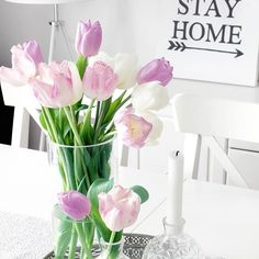 Tuesday tulips  ~🌟🌟🌟~  Tiistai tulppaanit    #tulips #tulppaanit #tulpaner #letsstayhome #traydecor #sisustus #sisustaminen #interior #decor #inredning #cimlainterior #suomisisustaa #skandinaavinensisustus #finnishhome #sisustusinspiraatio #olohuone #homedecor #homestyling #instakodit #skandimodernit #scandinaviandecor Instagram Accounts, Glass Vase, Photo And Video, Interior, Pictures, Inspiration, Home Decor, Photos, Homemade Home Decor