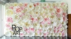 wedding paper flowers wall in house Giant Paper Flowers, Diy Flowers, Diy Paper, Paper Crafts, Deco Pastel, Paper Flower Wall, Paper Flower Backdrop, Backdrops For Parties, Wedding Paper