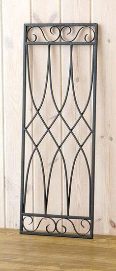 【ウォールデコ:レクタングルアート】アイアン/パネル/インテリア/ガーデニング/ディスプレイ/雑貨/花/DIY/アンティーク/po-62411□■ Modern Window Design, Iron Window Grill, Window Grill Design Modern, House Window Design, Balcony Grill Design, Grill Door Design, Balcony Railing Design, Door Grill, Steel Railing Design