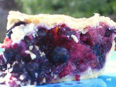 Alissamay's: Bluebarb Pie
