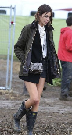 Barbour jacket on Alexa Chung. - Everyone. I just got some new shoes and a nice dress from here for CHEAP! Check out the amazing sale. http://www.superspringsales.com