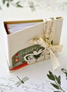 """Le Mini Album Cabinet de Curiosités et son tuto avec les papiers toga """"cabinet de curiosités"""": http://www.toga-shop.com/le-mini-album-cabinet-de-curiosites.html"""