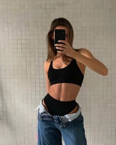 Nike Fitness Aesthetic - - Fitness Routine For Beginners - Body Inspiration, Fitness Inspiration, Look Fashion, Fashion Outfits, Womens Fashion, Fashion Ideas, Fashion Beauty, Winter Fashion, Fashion Tips
