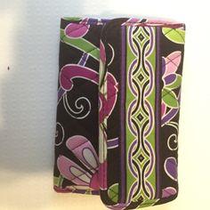 Vera Bradley wallet Used once or twice. Like new Vera Bradley Bags Wallets