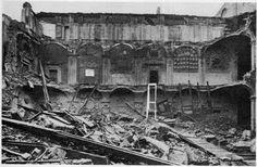 Bologna 1943 o 1944. La biblioteca comunale dell'Archiginnasio distrutta parzialmente. Fonte: Cineca http://certosa.cup2000.it/