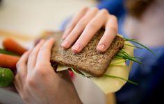 """Unter Experten galten die Empfehlungen als angestaubt. Jetzt hat die Deutsche Gesellschaft für Ernährung ihre """"10 Regeln"""" für eine gesunde Nahrung aktualisiert. Dabei wurden einige bekannte Empfehlungen gestrichen."""