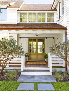 This Modern Farmhouse Makeover Would Make Even Joanna Jealous – farmhouse front door with screen Farmhouse Front Porches, Barn Style Doors, House With Porch, Front Porch Railings, Porch Design, Exterior Design, Modern Farmhouse Exterior, Modern Farmhouse, Building A Porch