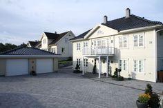 hage inspirasjon - Google-søk Mansions, House Styles, Home Decor, Luxury Houses, Interior Design, Home Interior Design, Palaces, Mansion, Mansion Houses