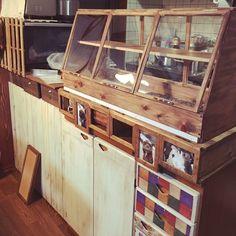散らかりがちなキッチンまわりも、みせる収納テクでおしゃれカフェ風♪   folk