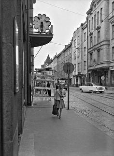 Iso Roobertinkatu 16, 1958 Helsinki, Real People, Time Travel, Finland, Street View, Times, Woman