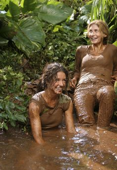 Evangeline Lilly y Elizabeth Mitchell. Evangeline Lilly, Serie Lost, Elizabeth Mitchell, Lost Memes, Mudding Girls, Percy Jackson, Lost Tv Show, Lets Get Lost, Into The Fire