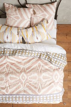Daybreak Quilt - anthropologie.com #anthrofave