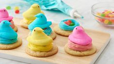 Find Easter dinner recipes for every sized table in this collection of sides, mains, desserts and brunch dishes (we've got recipes of both the sweet and savory variety). Easter Cookies, Easter Treats, Easter Cake, Easter Food, Easter Snacks, Snowman Cookies, Easter Desserts, Easter Eggs, Easter Dinner