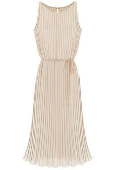 I think this dress is so cute. Vestido largo gasa plisado con cinta-Crudo