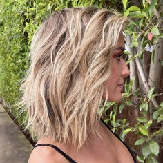 These Short Layered Haircuts Are Perfect for Starting Fresh This Fall Short Hair With Layers, Short Hair Cuts, Down Hairstyles, Straight Hairstyles, Shaggy Hairstyles, Blonde Hairstyles, 2015 Hairstyles, Celebrity Hairstyles, Braided Hairstyles