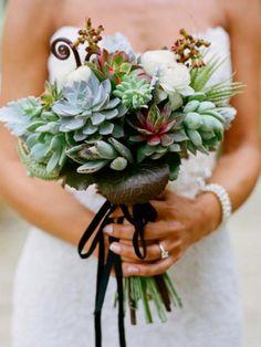 Vetplant Echeveria in een bruidsboeket - Lees meer op www.mooiwatplantendoen.nl
