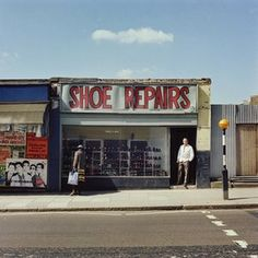 From Leeds to London: portraits of English cities in the 1970s – in pictures | Cities | The Guardian