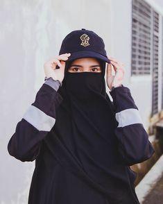 Arab Girls Hijab, Muslim Girls, Muslim Women, Stylish Hijab, Casual Hijab Outfit, Muslim Hijab, Hijab Niqab, Anime Muslim, Niqab Fashion