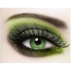 Gorgeous Makeup: Tips and Tricks With Eye Makeup and Eyeshadow – Makeup Design Ideas Green Eyeshadow, Makeup For Green Eyes, Makeup Eyeshadow, Eyeshadow Palette, Pretty Eyes, Beautiful Eyes, Beauty Make Up, Hair Beauty, Beauty Stuff