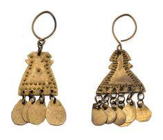 Africa | 2 single brass earrings from Sudan | 19th century