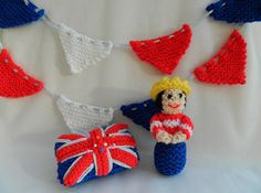 A Miniature Queen Doll, Bunting
