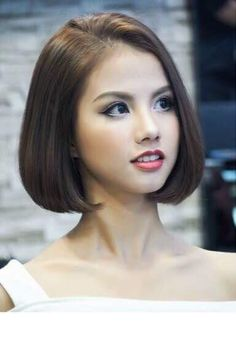 Chic Gray Blunt Haircut - 50 Spectacular Blunt Bob Hairstyles - The Trending Hairstyle Medium Hair Cuts, Short Hair Cuts, Medium Hair Styles, Short Hair Styles, Asian Bob Haircut, One Length Haircuts, Short Hair Model, Asian Short Hair, Corte Y Color