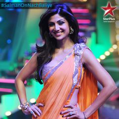 Shilpa Shetty yet again mesmerizes us with her looks