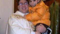 Interrogato dal gip l'ex parroco di via Perpignano arrestato per abusi su tre minori. Il difensore chiede gli arresti domiciliari