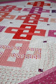 Daydream Quilt + Table Runner pattern featured by Top US Quilting Blog, A Quilting Life Strip Quilt Patterns, Strip Quilts, Fabric Patterns, Layer Cake Quilts, Table Runner Pattern, How To Finish A Quilt, Quilted Table Runners, Coordinating Fabrics, Quilt Making