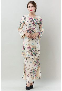 You searched for Era Maya - Page 2 of 2 - Malaysia Deals Info Model Kebaya, Kebaya Dress, Muslim Dress, Korean Dress, Traditional Outfits, Modest Fashion, Designer Dresses, Fashion Online, Nature Prints