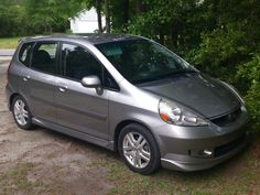 My Honda Fit sport 2008 with plastidipped grill