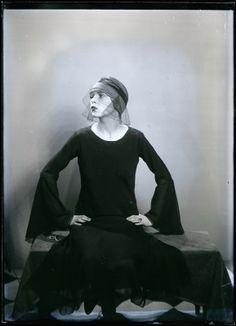 Personne non identifiée. Man Ray. ca. 1925.
