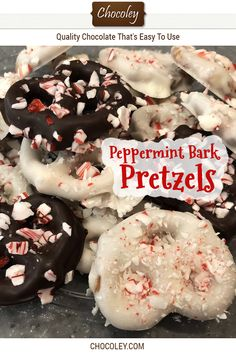 Peppermint bark and chocolate covered pretzels are classic staples of the holiday chocolate season. These easy chocolate covered pretzels are both in one. White Chocolate Covered Pretzels, Chocolate Peppermint Bark, Chocolate Bark, Homemade Chocolate, Chocolate Recipes, Caramel Recipes, Candy Recipes, Sweets Recipes, Pretzels Recipe