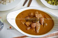 Muringakka Ulli Theeyal, Drumsticks and Pearl Onions in Roasted Coconut Curry