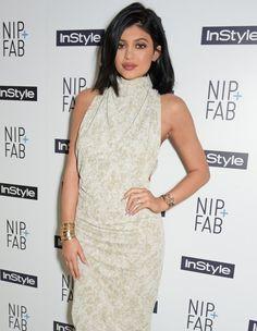 Pin for Later: Ces 30 Stars Ont Moins de 30 Ans et Sont Pleines Aux As Kylie Jenner, 17 ans