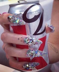 I love OTT nails.