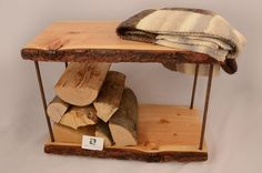 Brennholzbank - Praktisch und schön anzusehen. Stool, Furniture, Home Decor, Timber Wood, Nice Asses, Ideas, Decoration Home, Room Decor, Home Furnishings