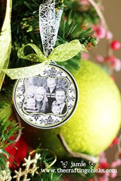 homemade ornament w picture do this as a yearly tradition can also do - Homemade Christmas Ornament Ideas