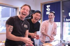 We provide a very casual sushi experience provided by sushi chefs who love Tsukiji. You can experience it in the kitchen, a 5-minute walk from Tsukiji Station. Title: Casual Sushi Making Experience with sushi chef PLACE: @Tsukiji, Tokyo / 東京都中央区築地 Price: 28,000JPY – OVERVIEW: Sushi Making experience with fresh fish in Tsukiji About 2.5 hour
