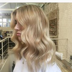 Creamy Blonde, Blonde Color, Long Hair Styles, Instagram Posts, Beauty, Long Hairstyle, Long Haircuts, Long Hair Cuts, Beauty Illustration