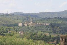 Certosa del Galluzzo from Hills South of Florence  http://www.charminly.com/unmissable-tuscan-hamlets/