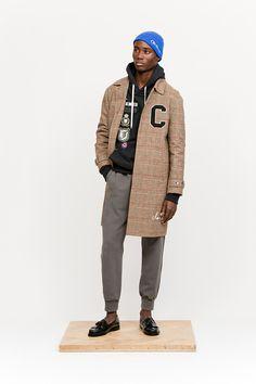 Orange Rain coat Outfit - Rain coat For Women Outdoor - Rain coat Light - Rain coat Dress Outfit - Stylish Men, Men Casual, Chicos Fashion, Raincoat Outfit, Celebrity Style Casual, Best Dressed Man, Men's Fashion Brands, Raincoats For Women, Fashion Moda