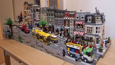 Complete Pet Shop Street. Lots of details. (via http://www.bricktowntalk.com/)