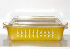 Vintage 60s PYREX YELLOW PICKET FENCE CASSEROLE DISH Retro Baking AGEE CROWN #AgeePyrex