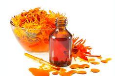 ***¿Cómo Utilizar la Caléndula en Remedios Caseros?*** La caléndula es base para una gran cantidad de medicinas naturales y productos de belleza desde hace miles de años. Veamos cómo aprovecharla con remedios caseros.....SIGUE LEYENDO EN.... http://comohacerpara.com/utilizar-la-calendula-en-remedios-caseros_2859a.html