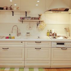 Pin on ♡Kitchen♡ Kitchen Dining, Kitchen Cabinets, Japanese Kitchen, I Am Awesome, Interior, Room, House, Home Decor, Yahoo